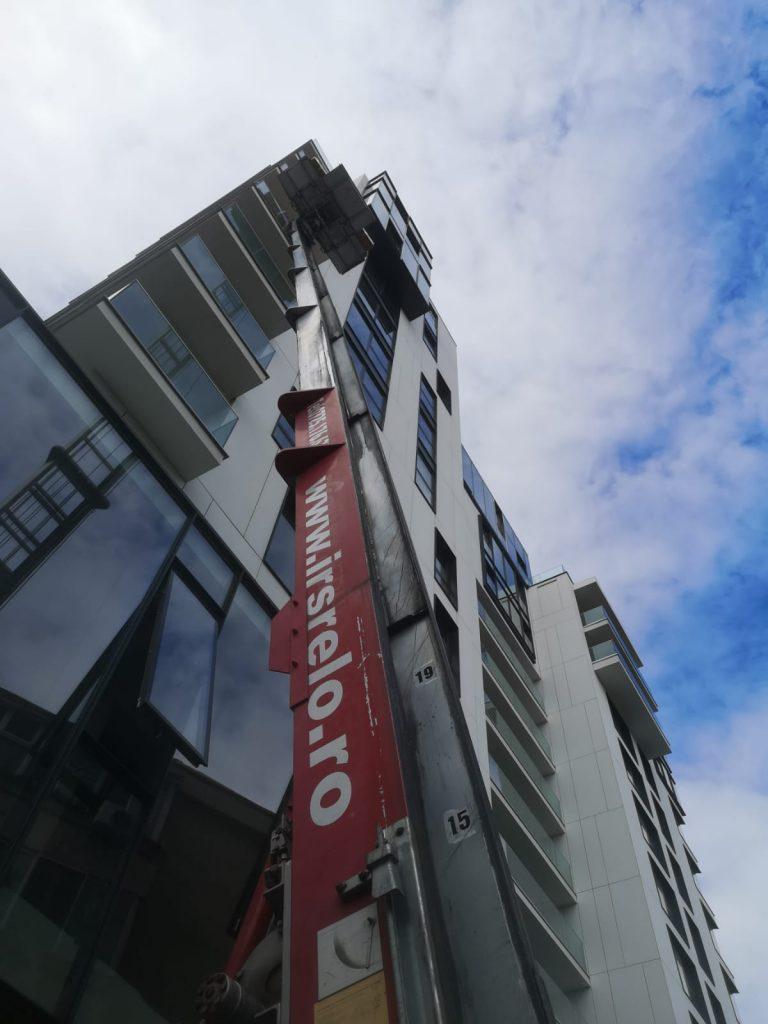 relocare-firma-lift-exterior-5-1-768x1024 Iti muti firma intr-un nou birou? Iata ce trebuie sa ai in vedere!